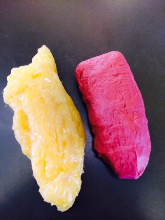 5 pounds of fat (left) vs. 5 pounds of muscle (right)... Which one is bigger?